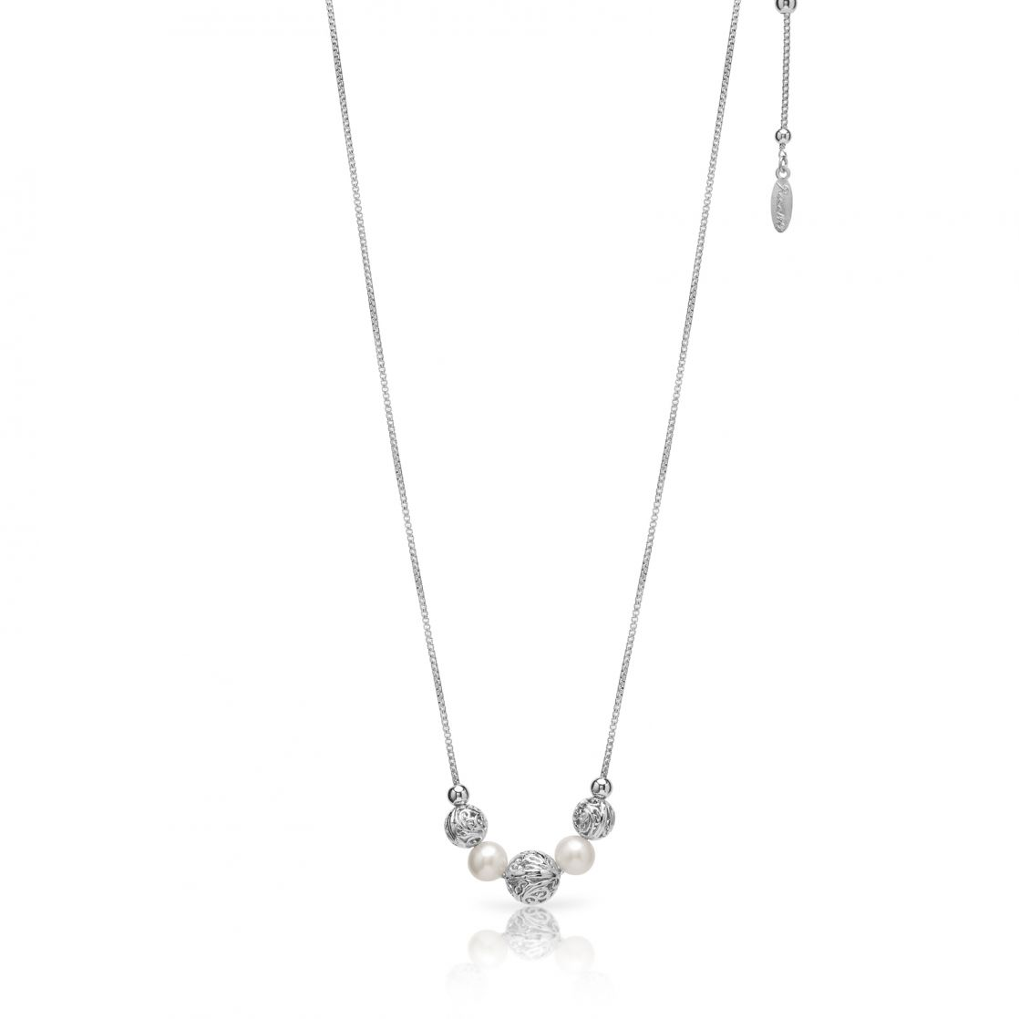 Sliding necklace with pearls