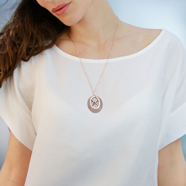 ROSE NECKLACE WITH OVAL PENDANT