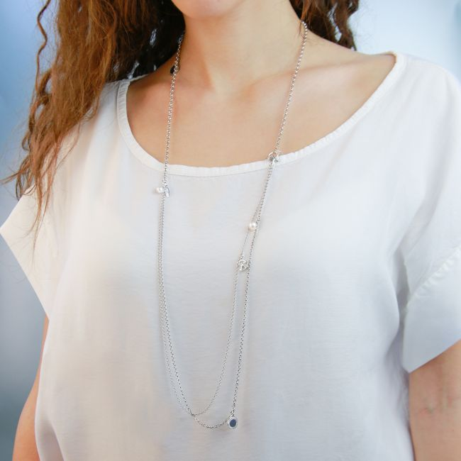 NECKLACE WITH PENDANTS AND PEARLS