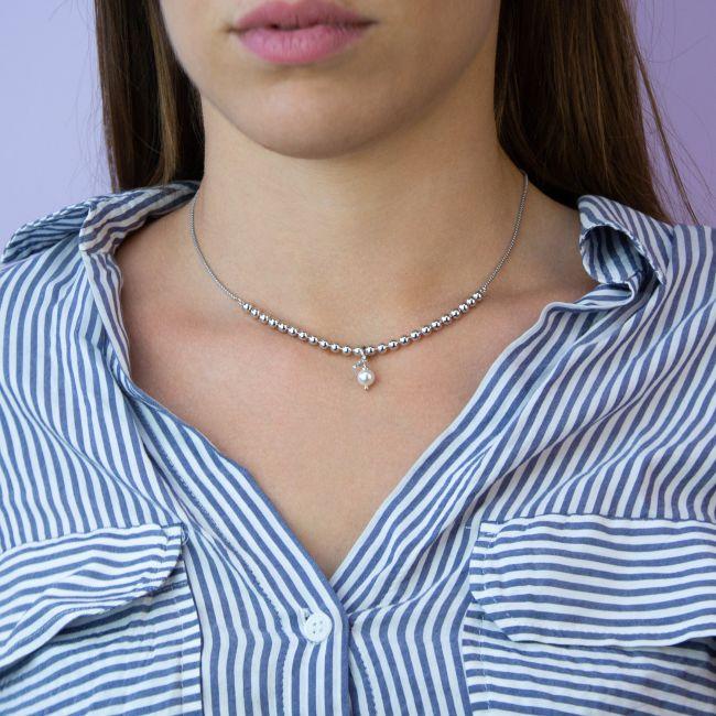 Sliding necklaces