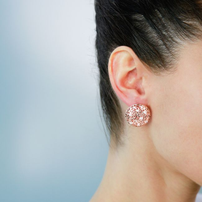 LEVERBACK ROUND EARRINGS WITH WHITE C.Z.