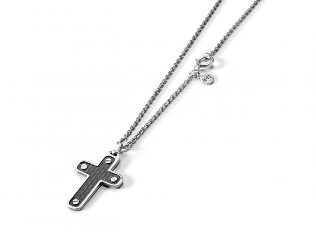 Necklace with cross-shaped pendant