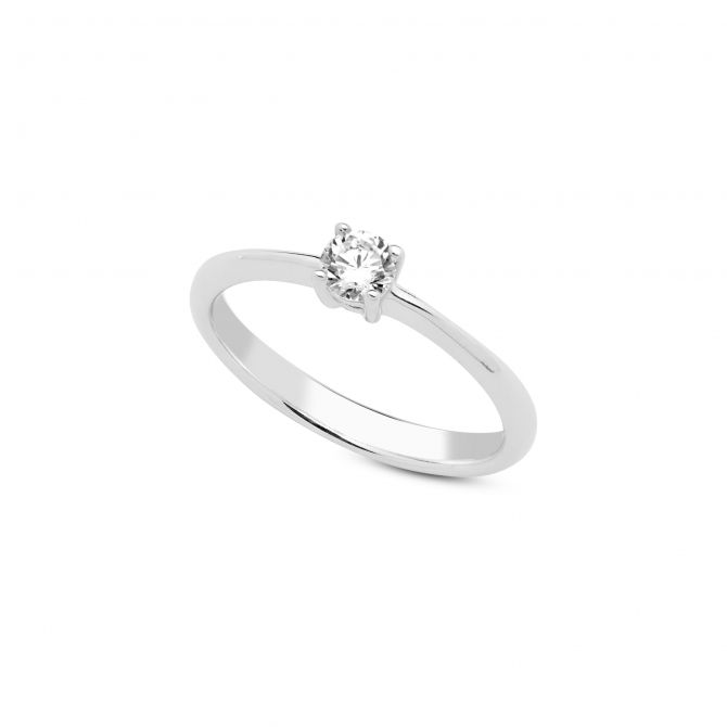 Solitaire ring 4mm